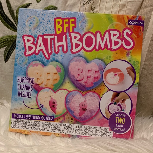 Other - CREATE YOUR OWN BATH BOMBS KIT!! 😆❤️